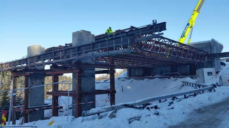 Offshore and bridge construction - Krakbau S A